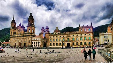 Vuelos Colombia: Catedral Primada en Bogotá